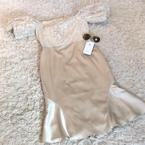 Gal Meets Glam Dresses & Skirts - Gal Meets Glam Adele Off the Shoulder Gold Dress